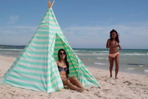 Onefootisland-giant-teepee-lattice-makers